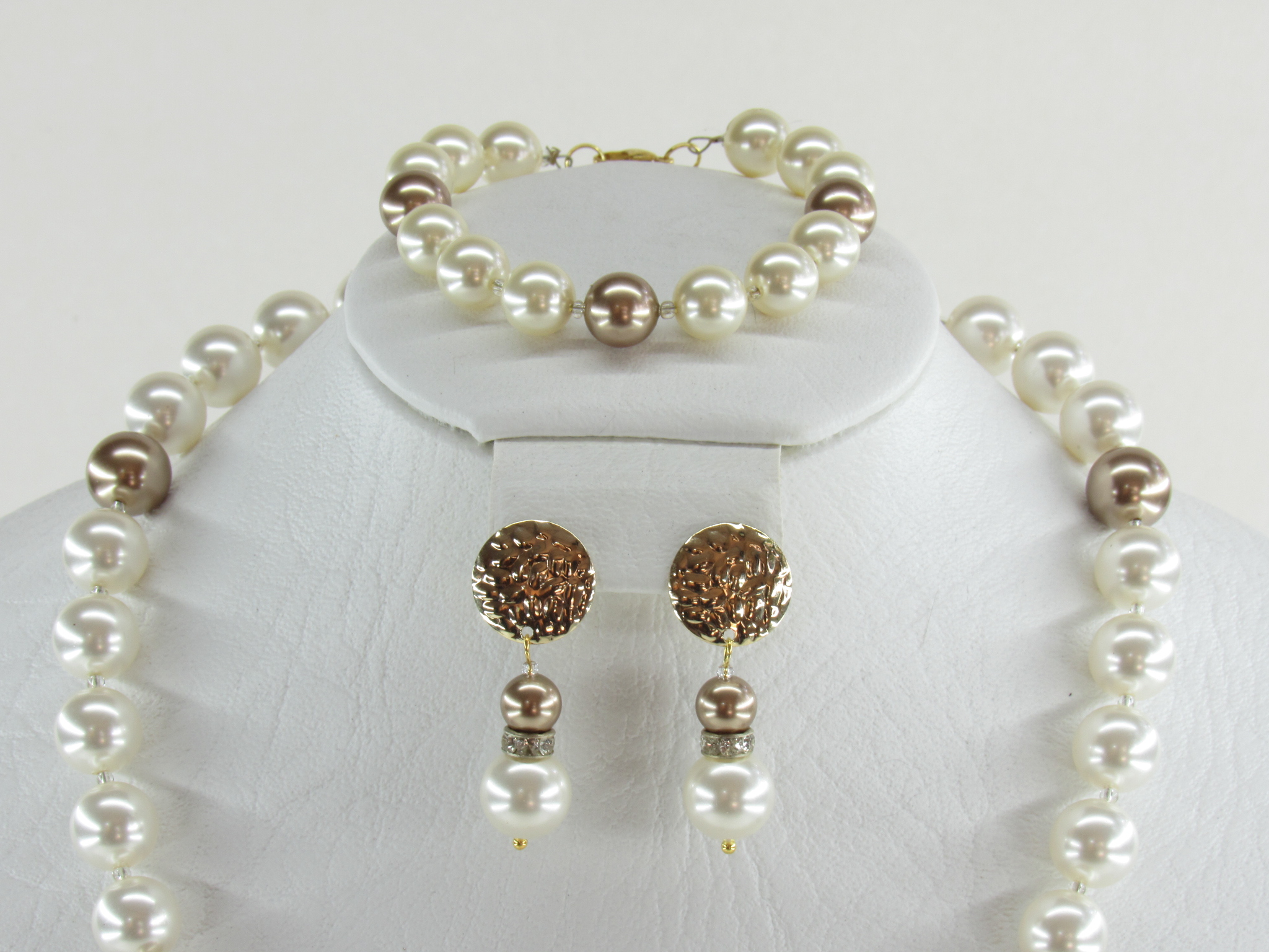 fe3450d978c1 Juego collar pulsera y aretes perlas - Imaginación - Óscar Alegría